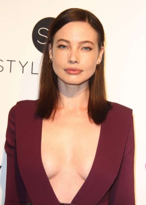 Stephanie Corneliussen - 2017 Elton John AIDS Foundation's Oscar Viewing Party in West Hollywood
