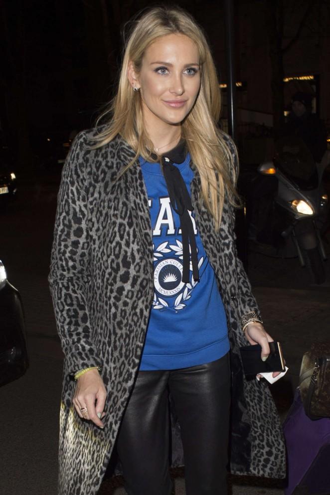 Stephanie Pratt - Arriving at Hotel Plaza Athenee in Paris