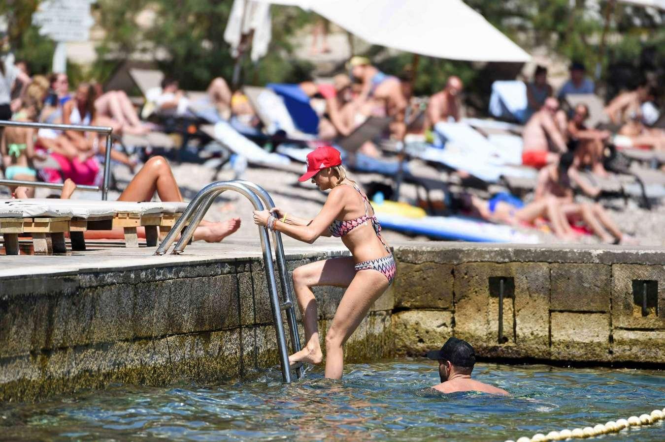Stephanie Pratt 2017 : Stephanie Pratt: Bikini on holiday in Croatia -12