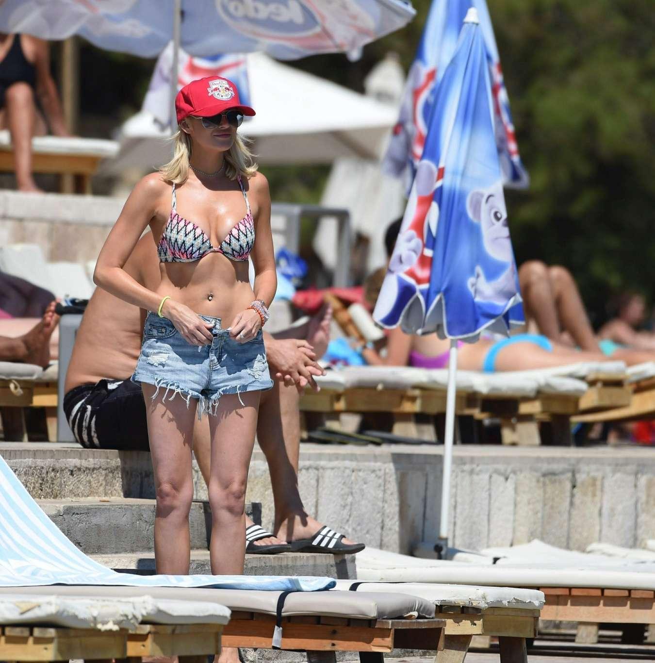 Stephanie Pratt 2017 : Stephanie Pratt: Bikini on holiday in Croatia -15