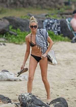 Stephanie Pratt in Black Bikini on the beach in Hawaii