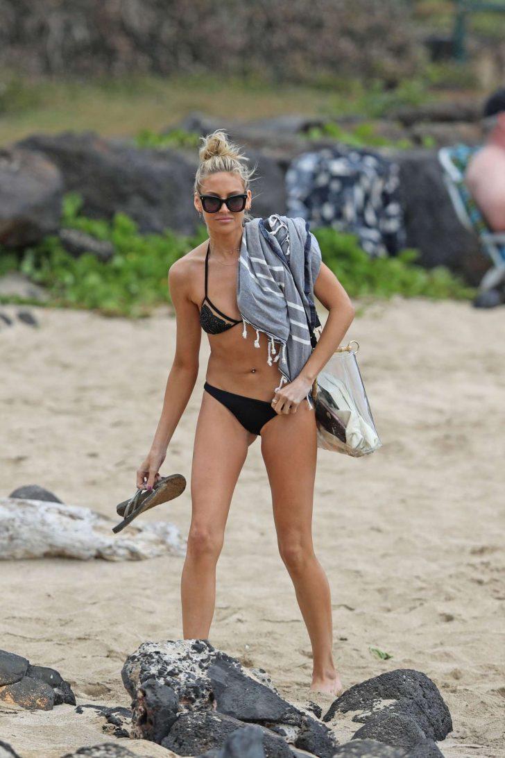 Stephanie Pratt in Black Bikini on the beach in Hawaii