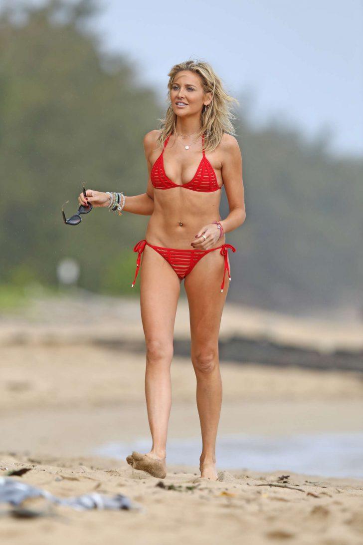 Stephanie Pratt in Red Bikini at a beach in Hawaii