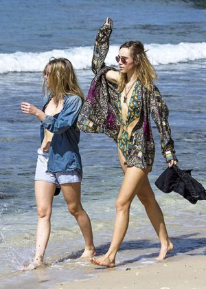 Suki and Immy Waterhouse: Bikini candids in Barbados-02