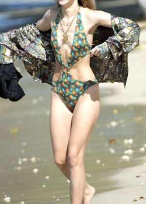 Suki and Immy Waterhouse: Bikini candids in Barbados-07