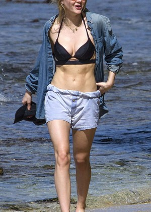 Suki and Immy Waterhouse: Bikini candids in Barbados-08