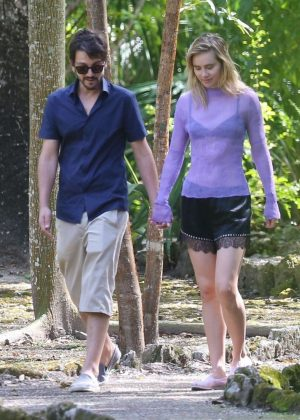 Suki Waterhouse and Diego Luna out in Mexico
