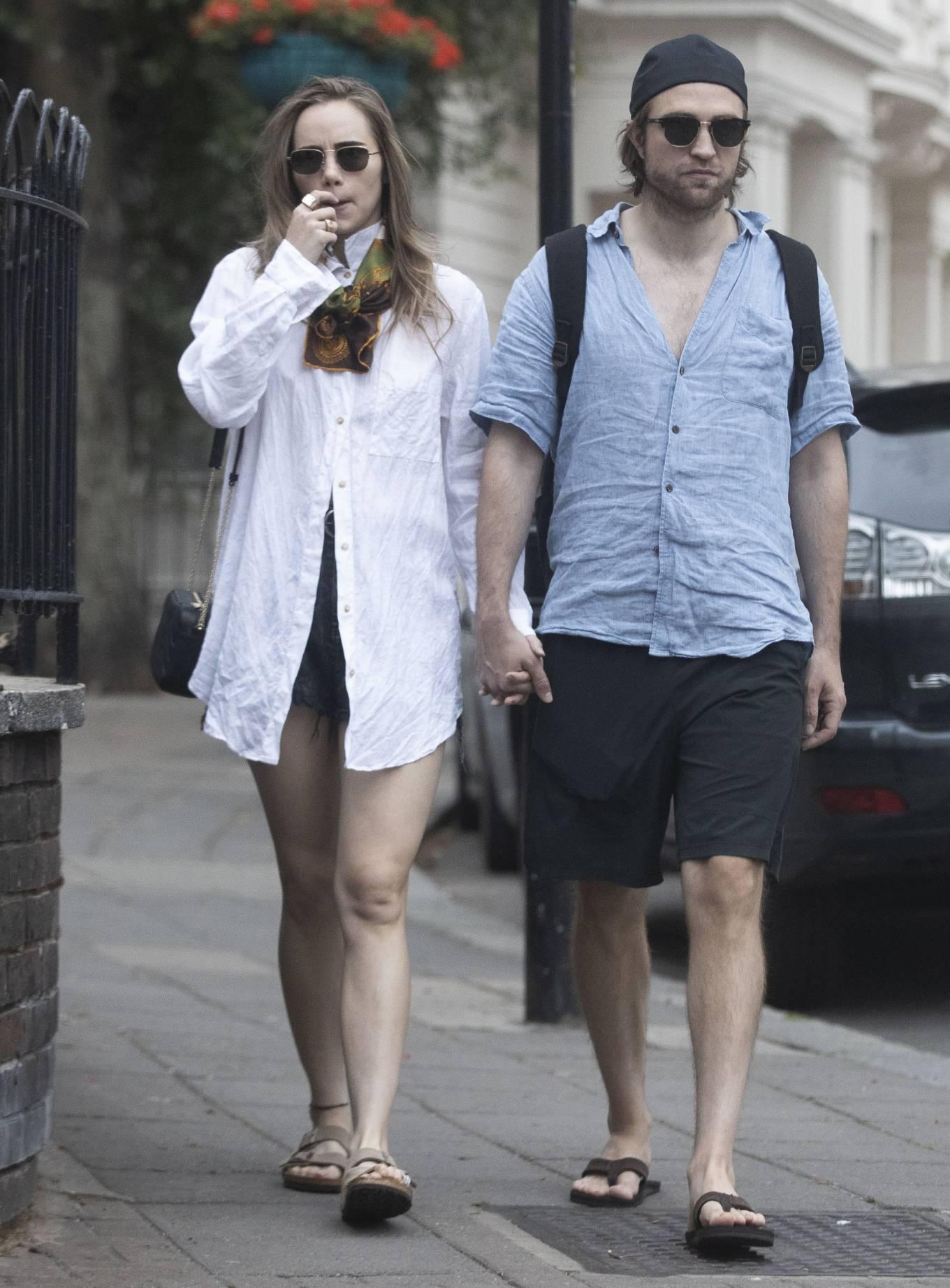Suki Waterhouse 2020 : Suki Waterhouse and Robert Pattinson – Out in London-02