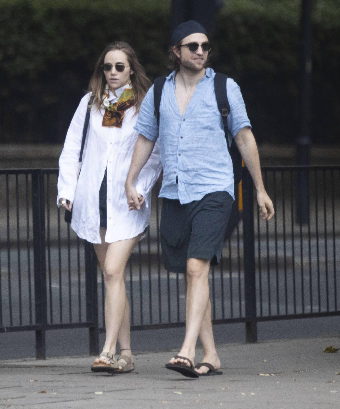 Suki Waterhouse 2020 : Suki Waterhouse and Robert Pattinson – Out in London-07