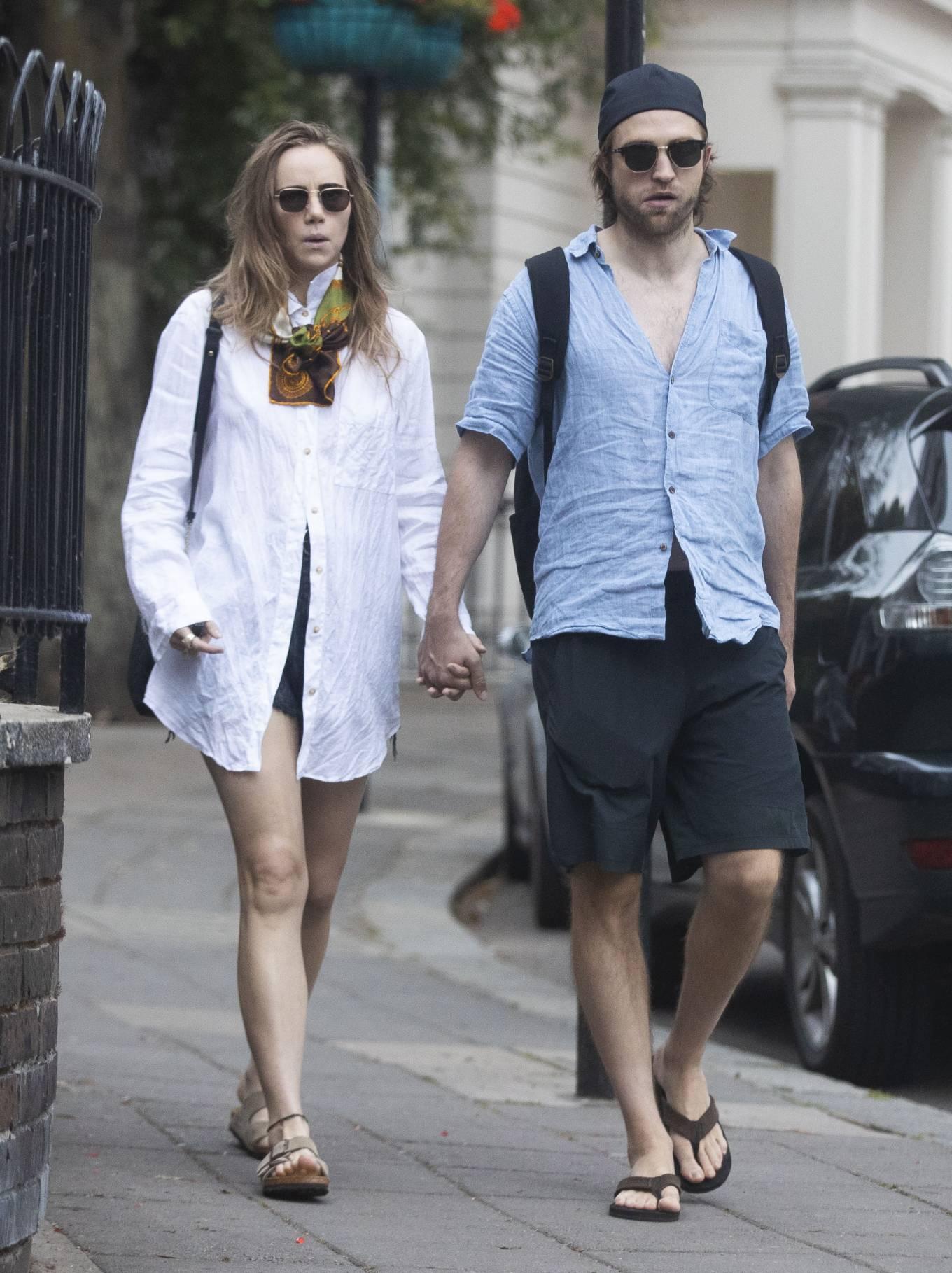 Suki Waterhouse 2020 : Suki Waterhouse and Robert Pattinson – Out in London-09