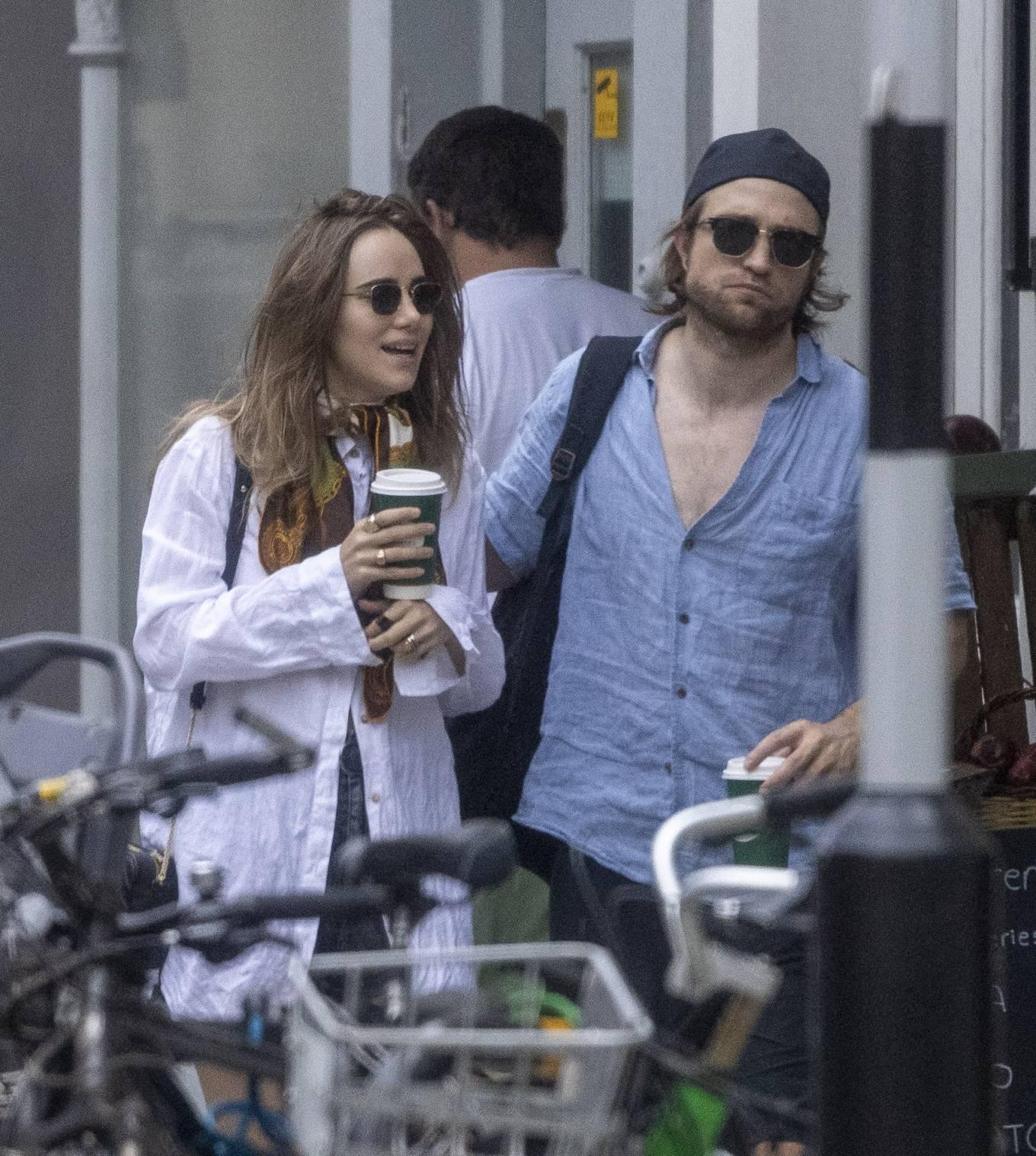 Suki Waterhouse 2020 : Suki Waterhouse and Robert Pattinson – Out in London-17