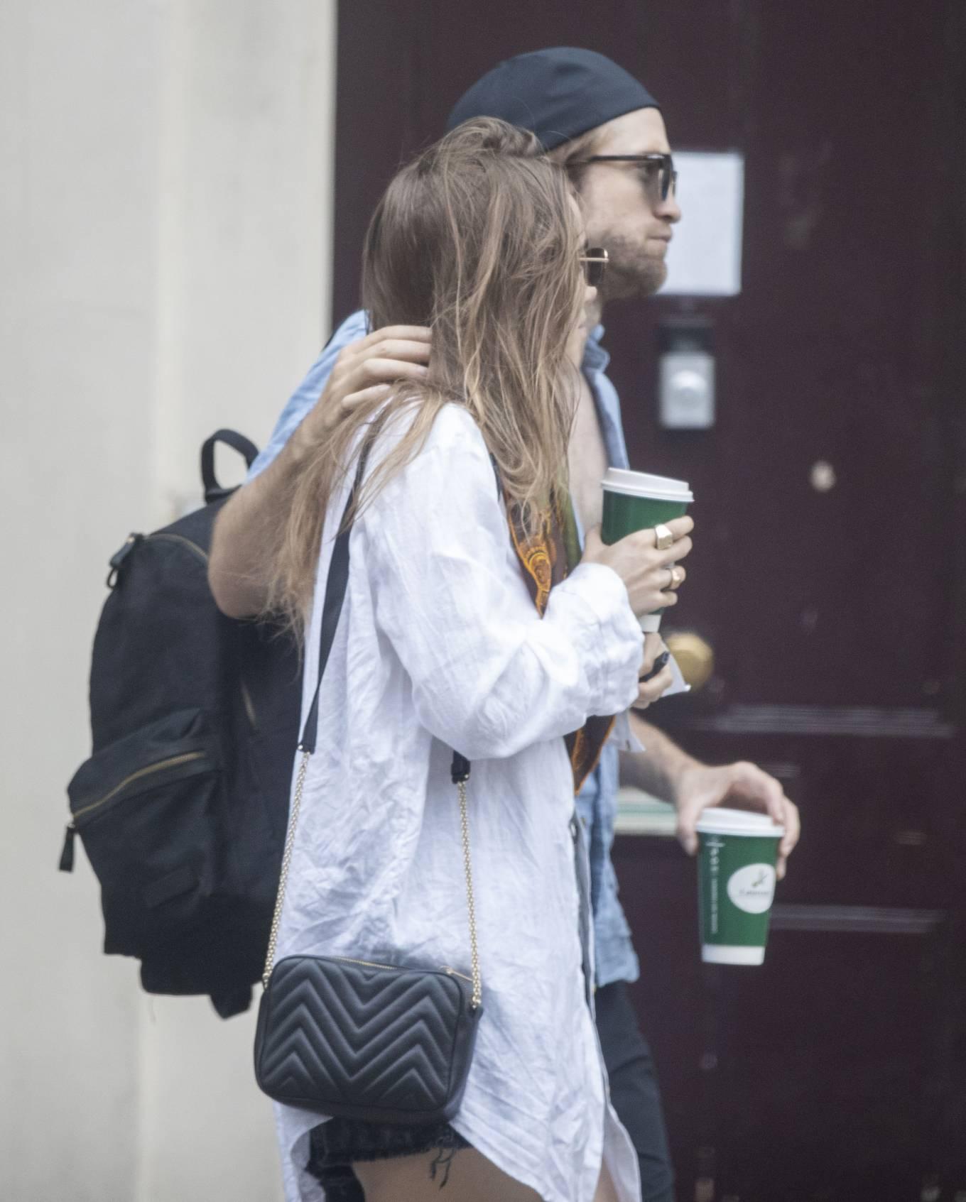 Suki Waterhouse 2020 : Suki Waterhouse and Robert Pattinson – Out in London-18