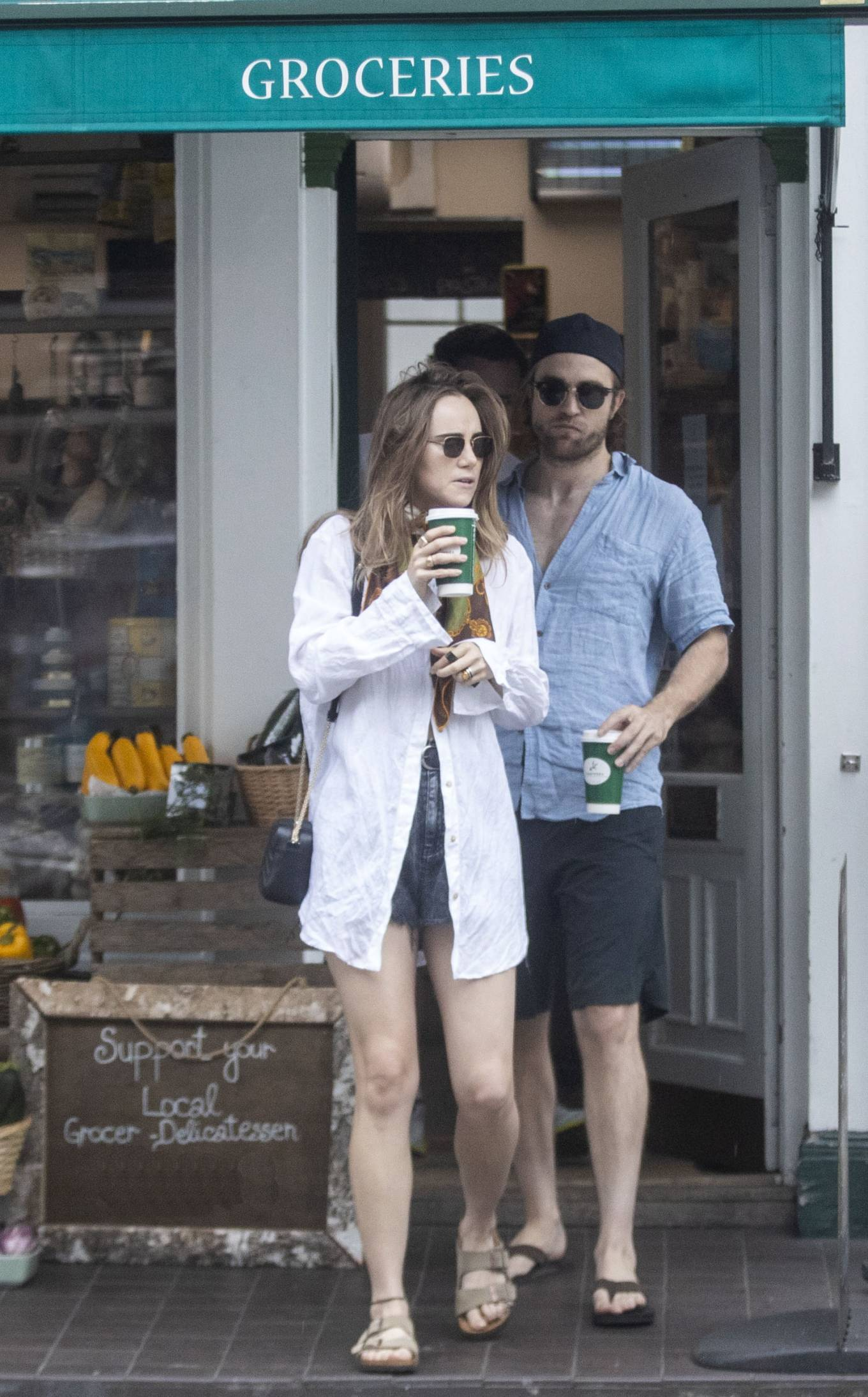 Suki Waterhouse 2020 : Suki Waterhouse and Robert Pattinson – Out in London-23