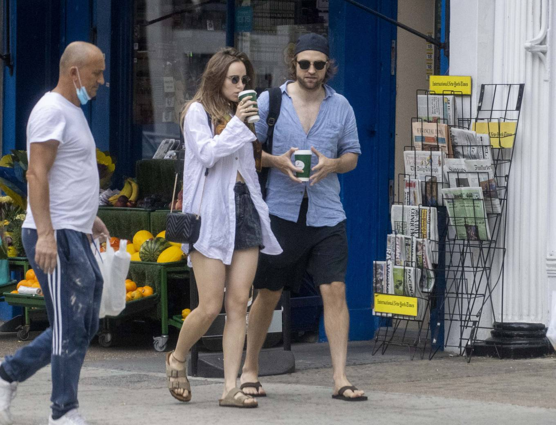 Suki Waterhouse 2020 : Suki Waterhouse and Robert Pattinson – Out in London-27