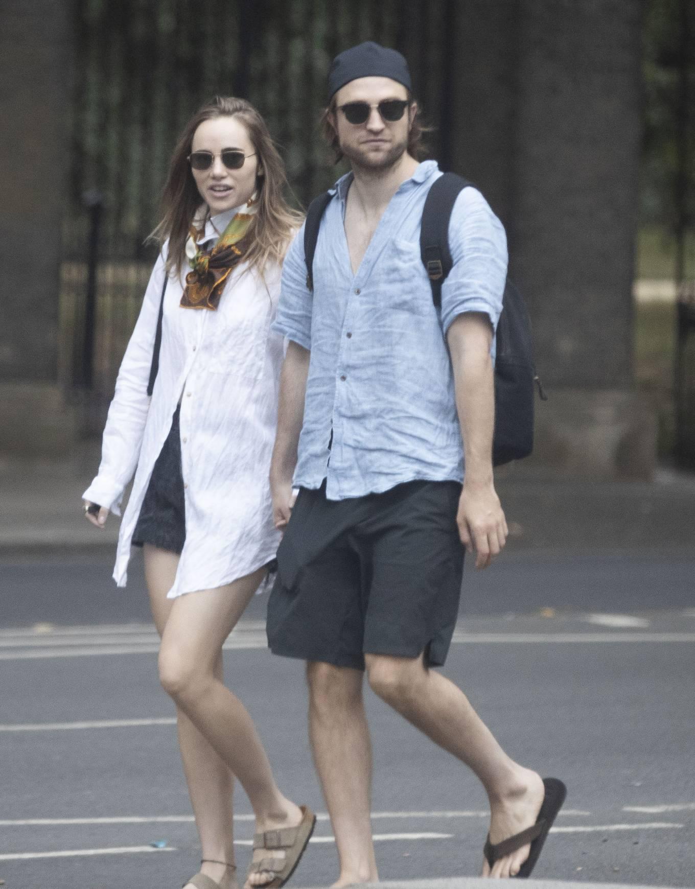 Suki Waterhouse 2020 : Suki Waterhouse and Robert Pattinson – Out in London-31