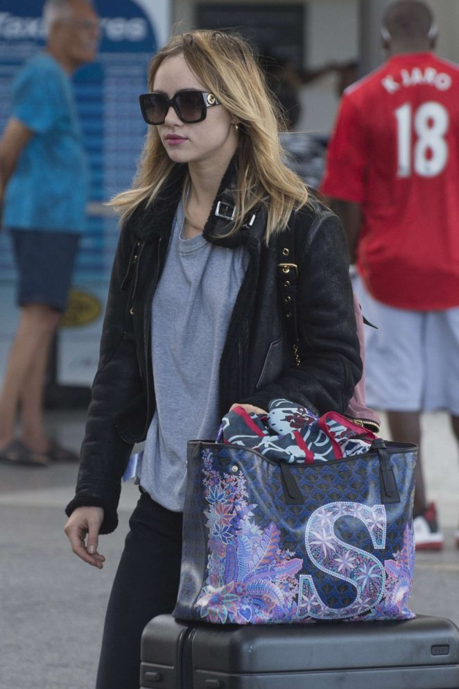 Suki Waterhouse - Arrives into Bridgetown airport in Barbados