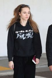 Suki Waterhouse - Arriving at Los Angeles Airport