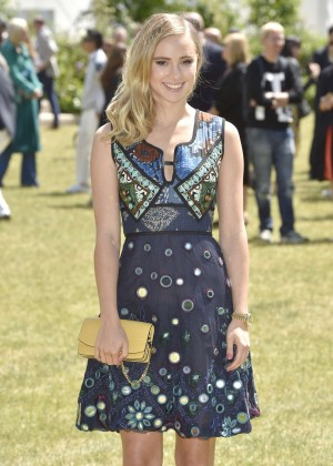 Suki Waterhouse - Burberry Men's Fashion Show in London