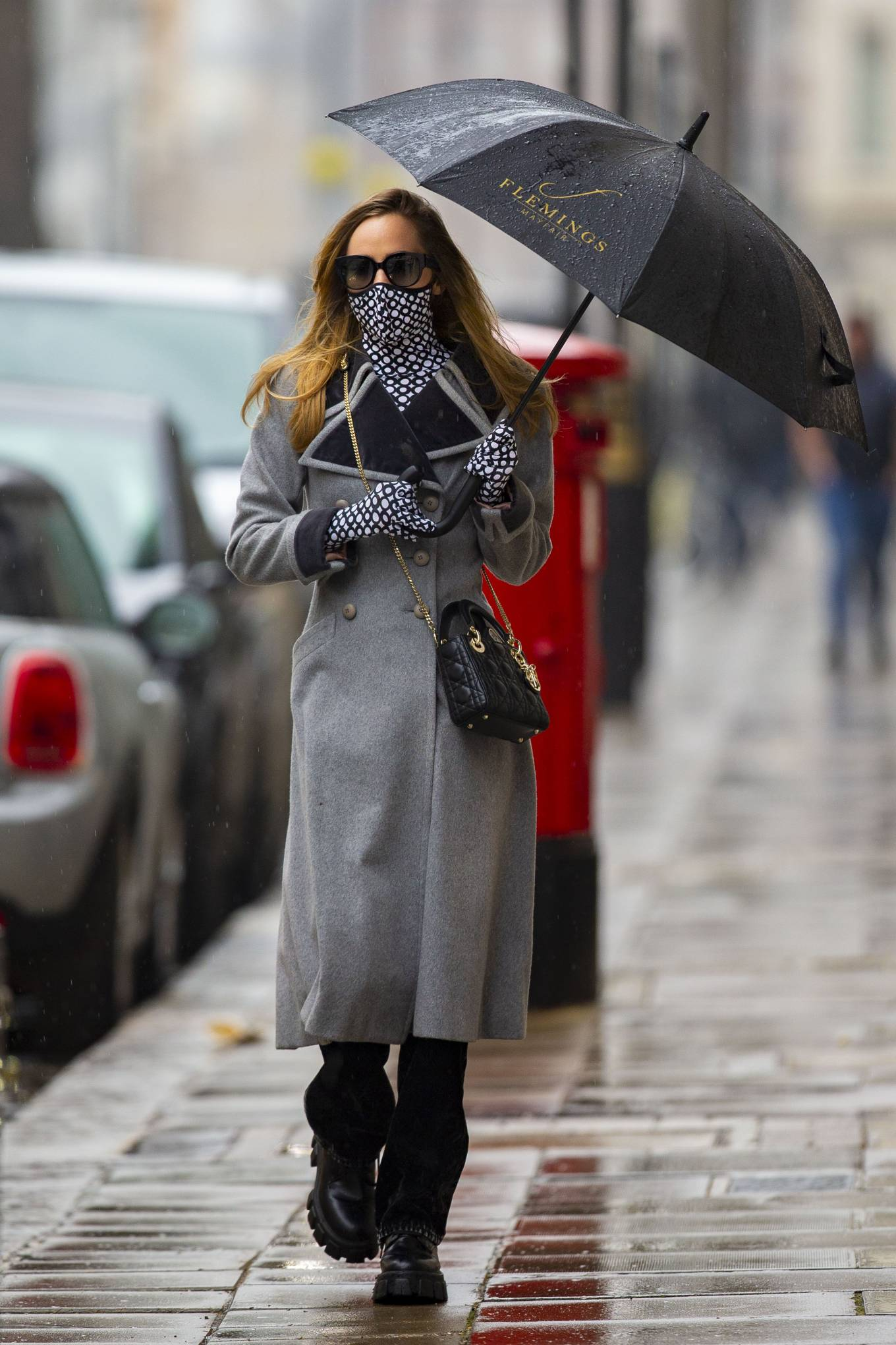 Suki Waterhouse - In grey coat on rainy day in London