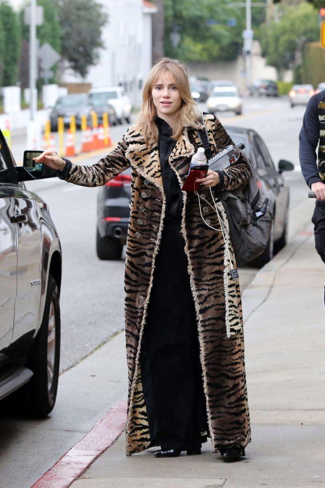 Suki Waterhouse in Leopard Print Coat – Out in Los Angeles
