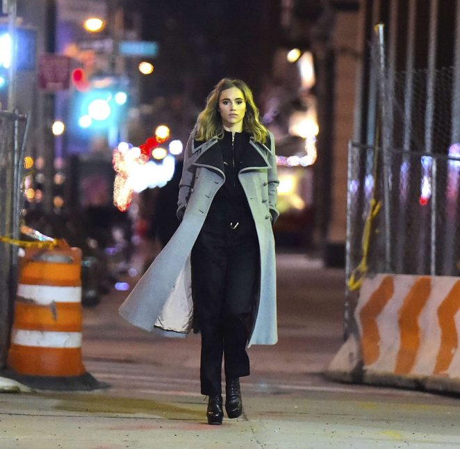 Suki Waterhouse: Late Night Photoshoot in New York -09