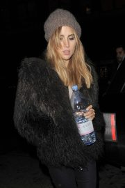 Suki Waterhouse - Leaving a Vogue Magazine Photoshoot in London
