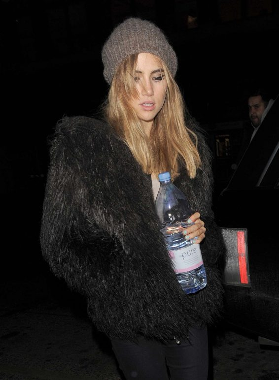 Suki Waterhouse - Leaving a Vogue Magazine Photoshoot in London