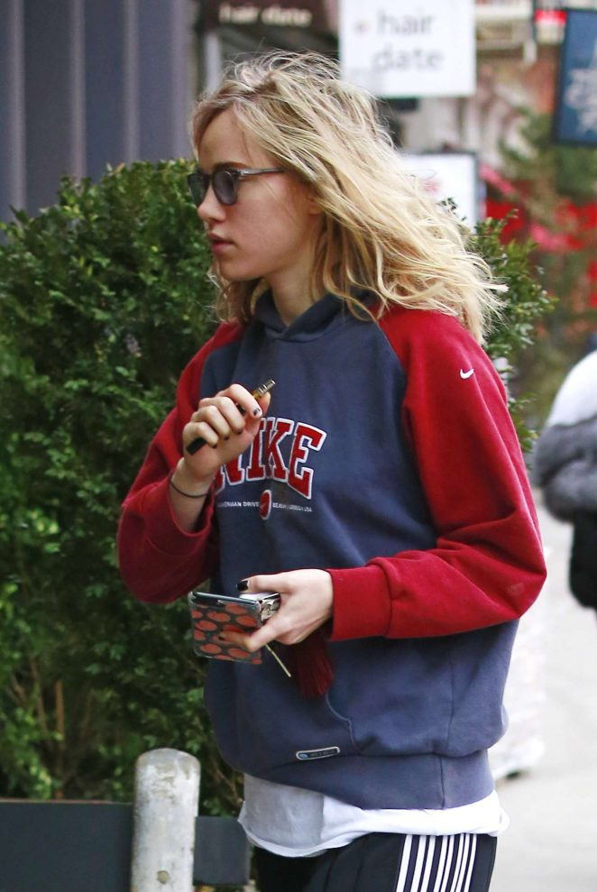 Suki Waterhouse - Out and about in NYC