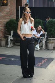 Suki Waterhouse - Out in New York City