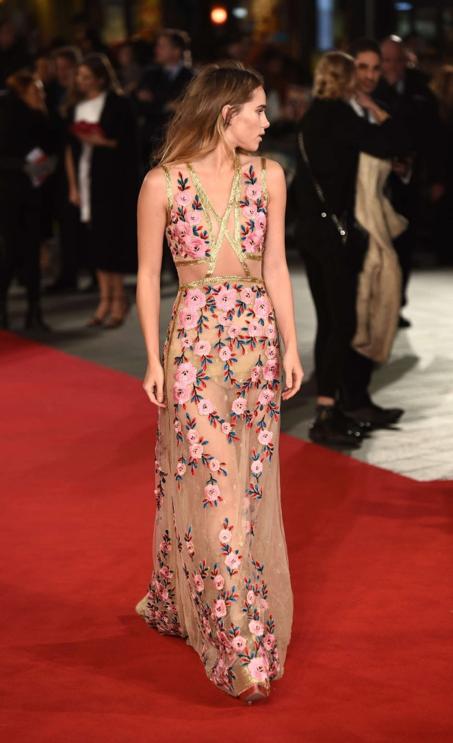 Suki Waterhouse: Pride and Prejudice and Zombies UK Premiere -04