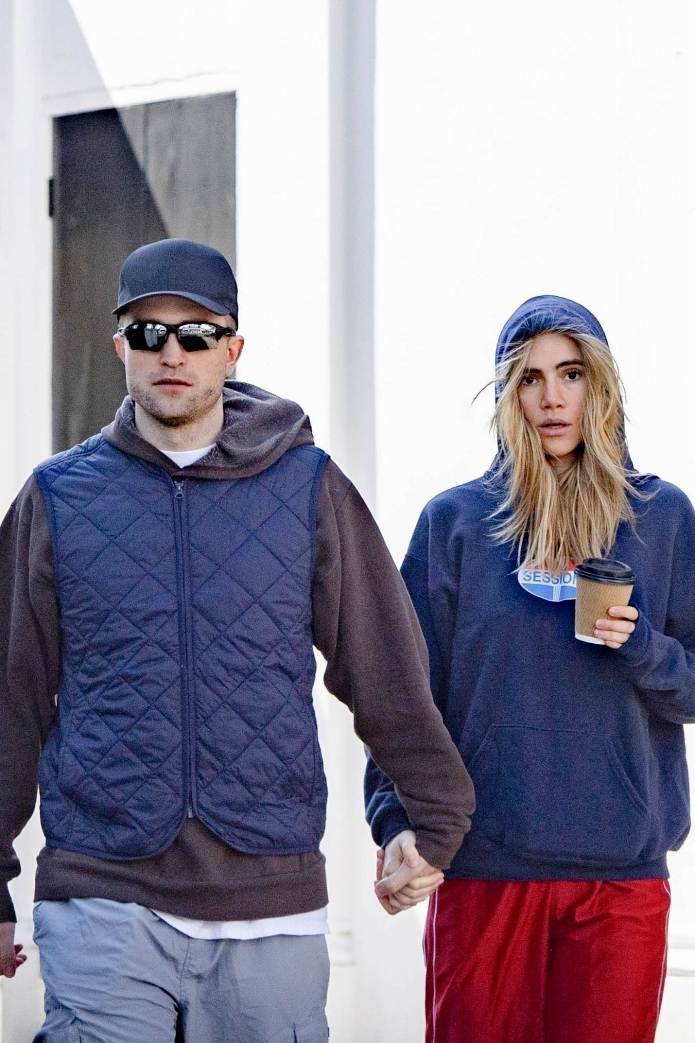 Suki Waterhouse - Steps out for a stroll in Notting Hill
