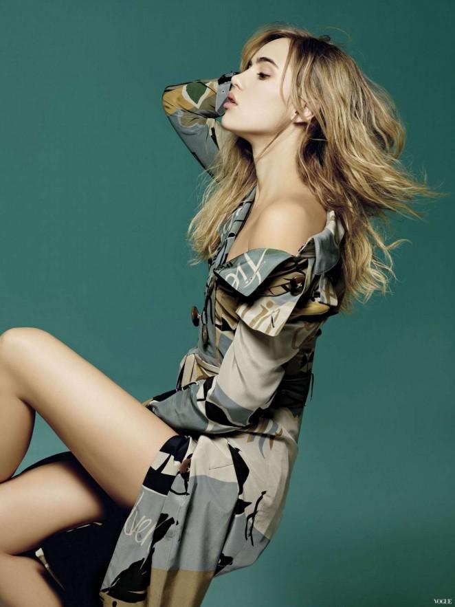 Suki Waterhouse - Vogue Taiwan Magazine (February 2015)