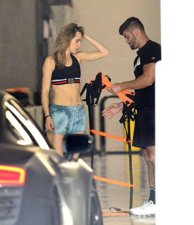 Suki Waterhouse - Working out in West Hollywood
