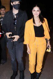 Sunny Leone - Arriving at Mumbai Airport