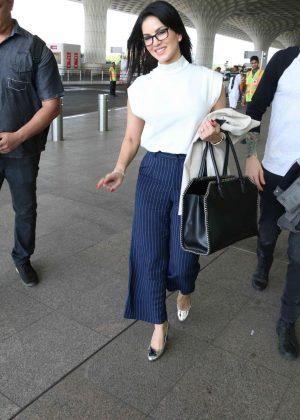 Sunny Leone Arriving at Mumbai International Airport