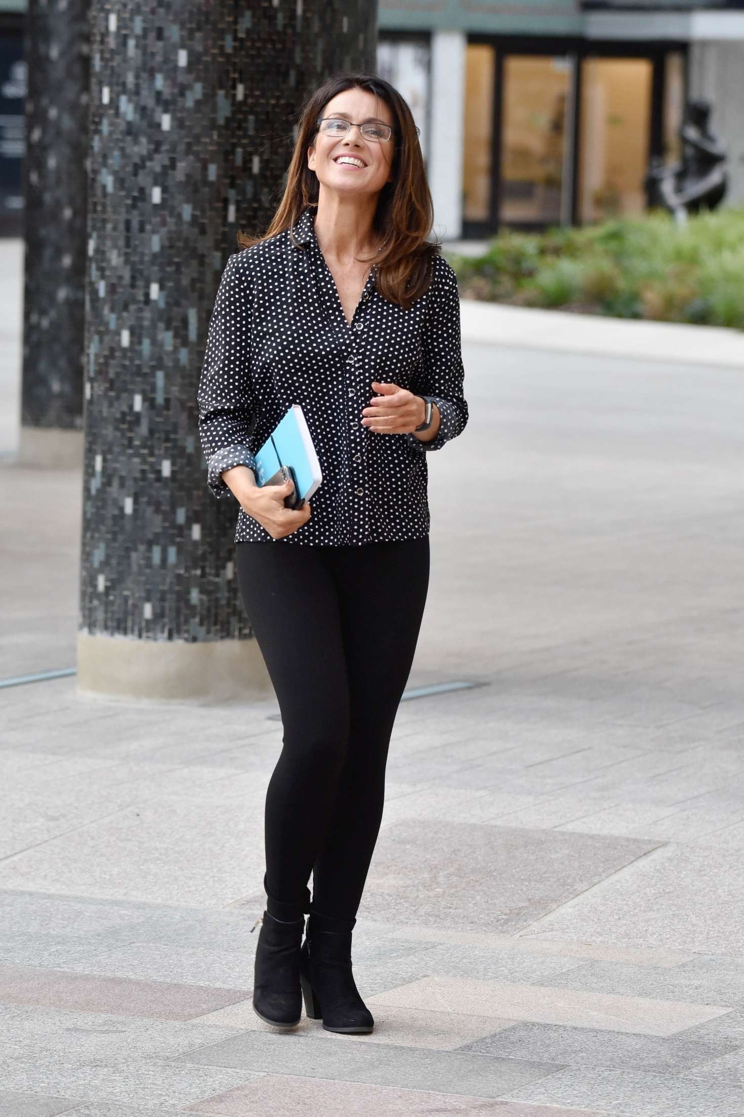 Susanna reid in her pyjamas out in london new pics