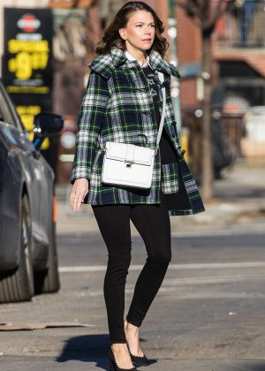 Sutton Foster - On the set of 'Younger' in New York