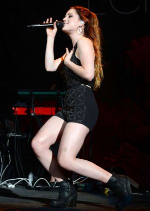 Sydney Sierota - Performs at The Coral Sky Amphitheatre in West Palm Beach