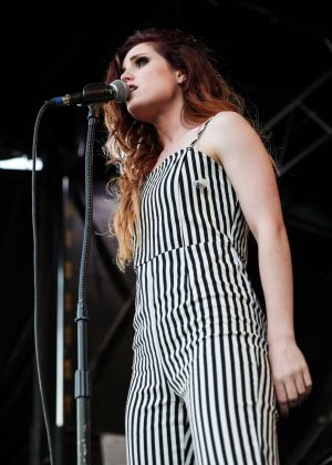 Sydney Sierota - Vans Warped Tour in Pomona