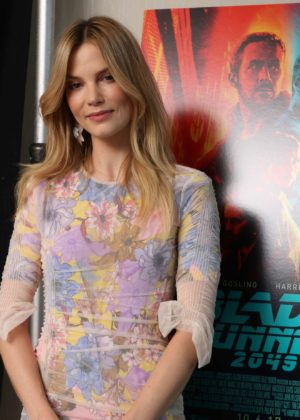 Mercedes Benz Of Westwood >> Sylvia Hoeks – Blade Runner 2049 Photocall in Los Angeles ...