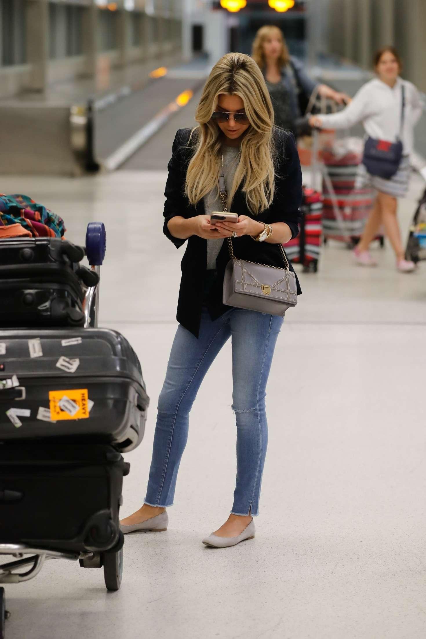 Sylvie Meis 2017 : Sylvie Meis Arrives at Airport in Miami -01