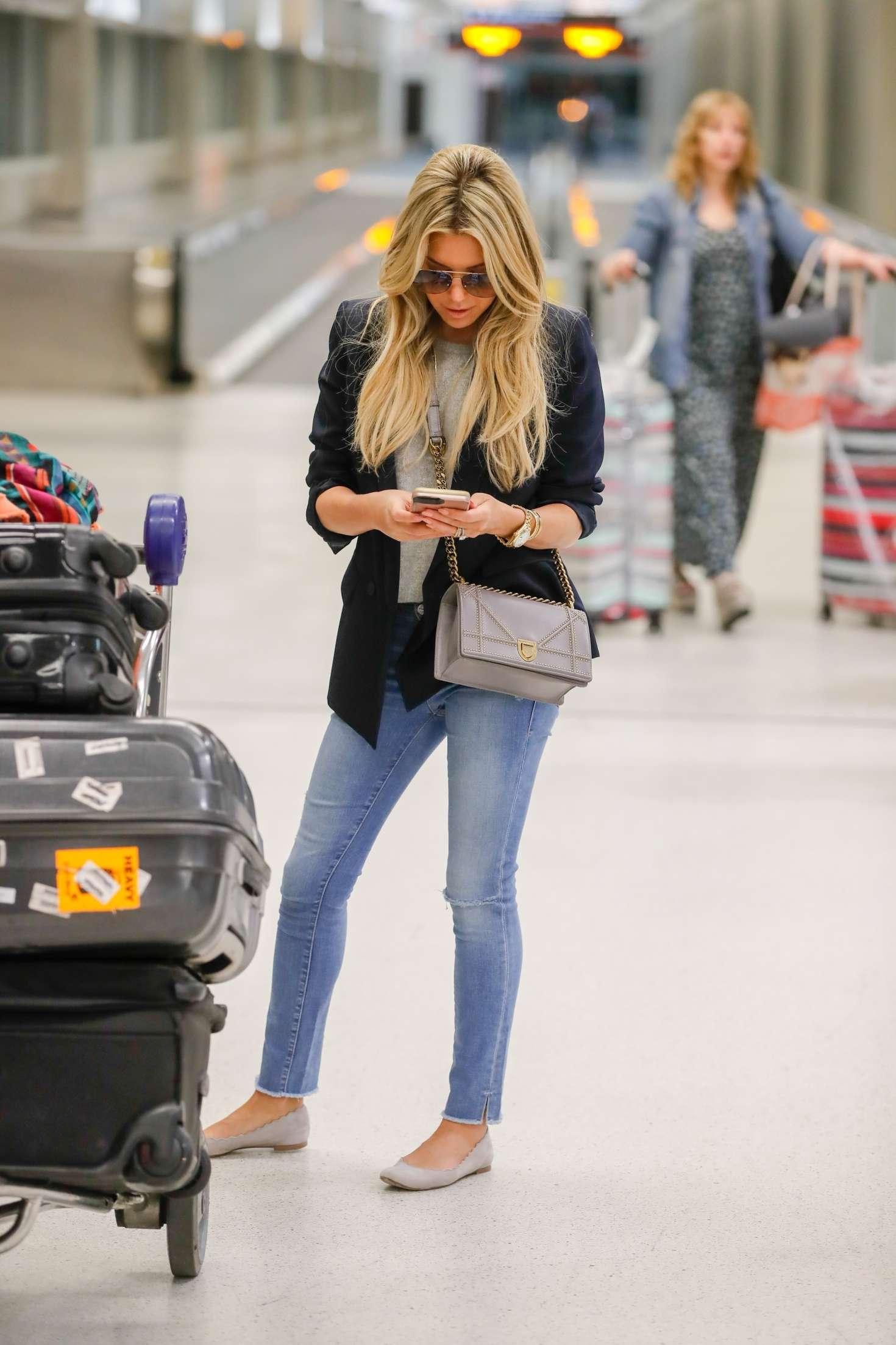 Sylvie Meis 2017 : Sylvie Meis Arrives at Airport in Miami -09