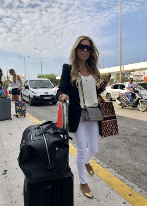 Sylvie Meis at Mykonos Airport