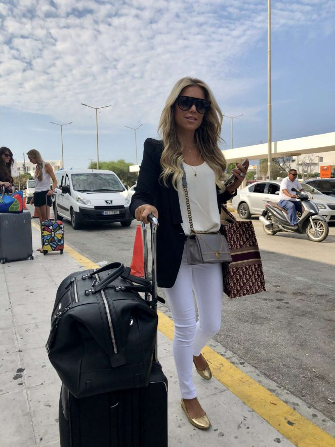 Sylvie Meis at Mykonos Airport