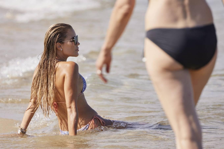 Sylvie Meis 2021 : Sylvie Meis – In a bikini with her husband Niclas Castello on the beach La Réserve in Ramatuelle-08