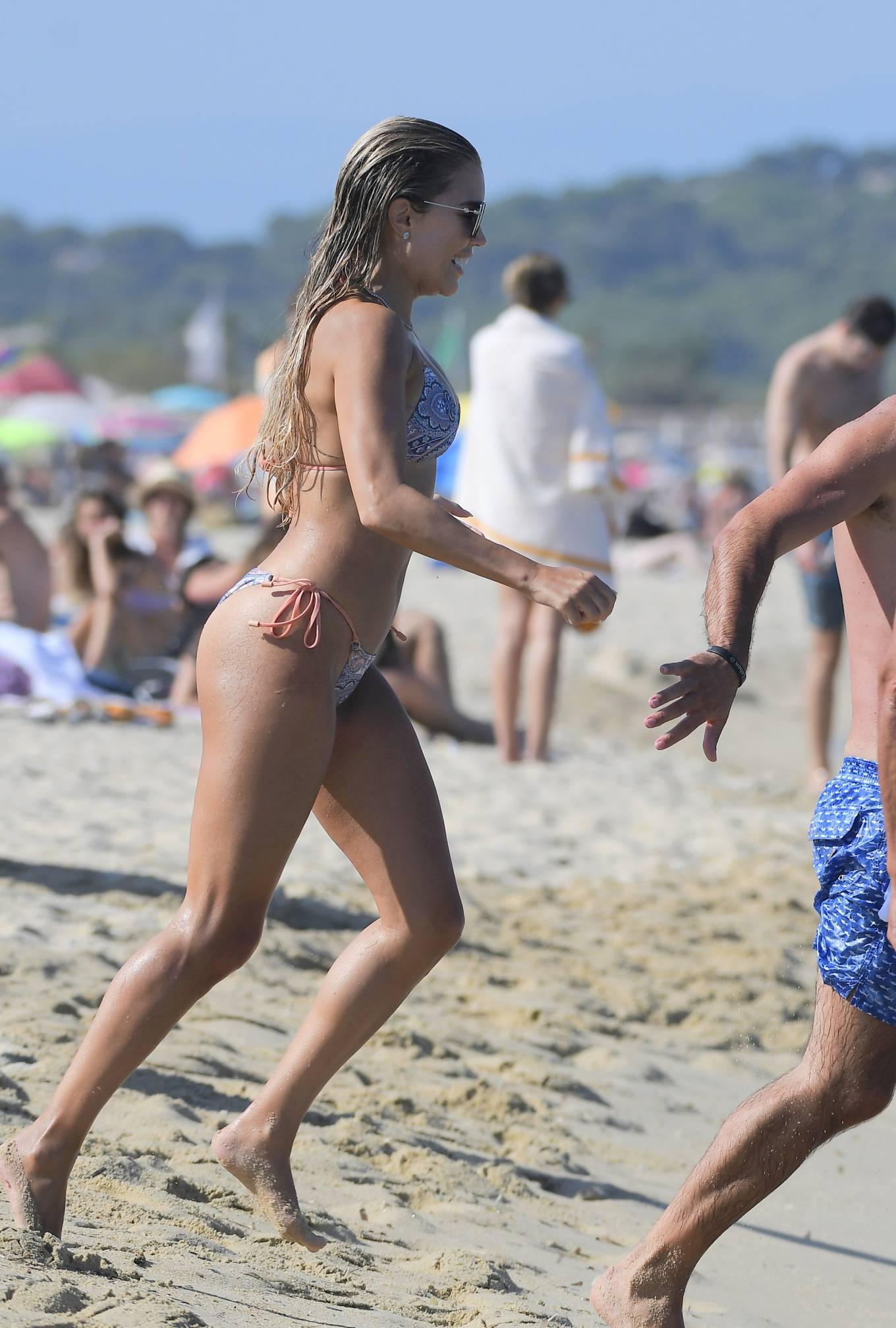 Sylvie Meis 2021 : Sylvie Meis – In a bikini with her husband Niclas Castello on the beach La Réserve in Ramatuelle-10