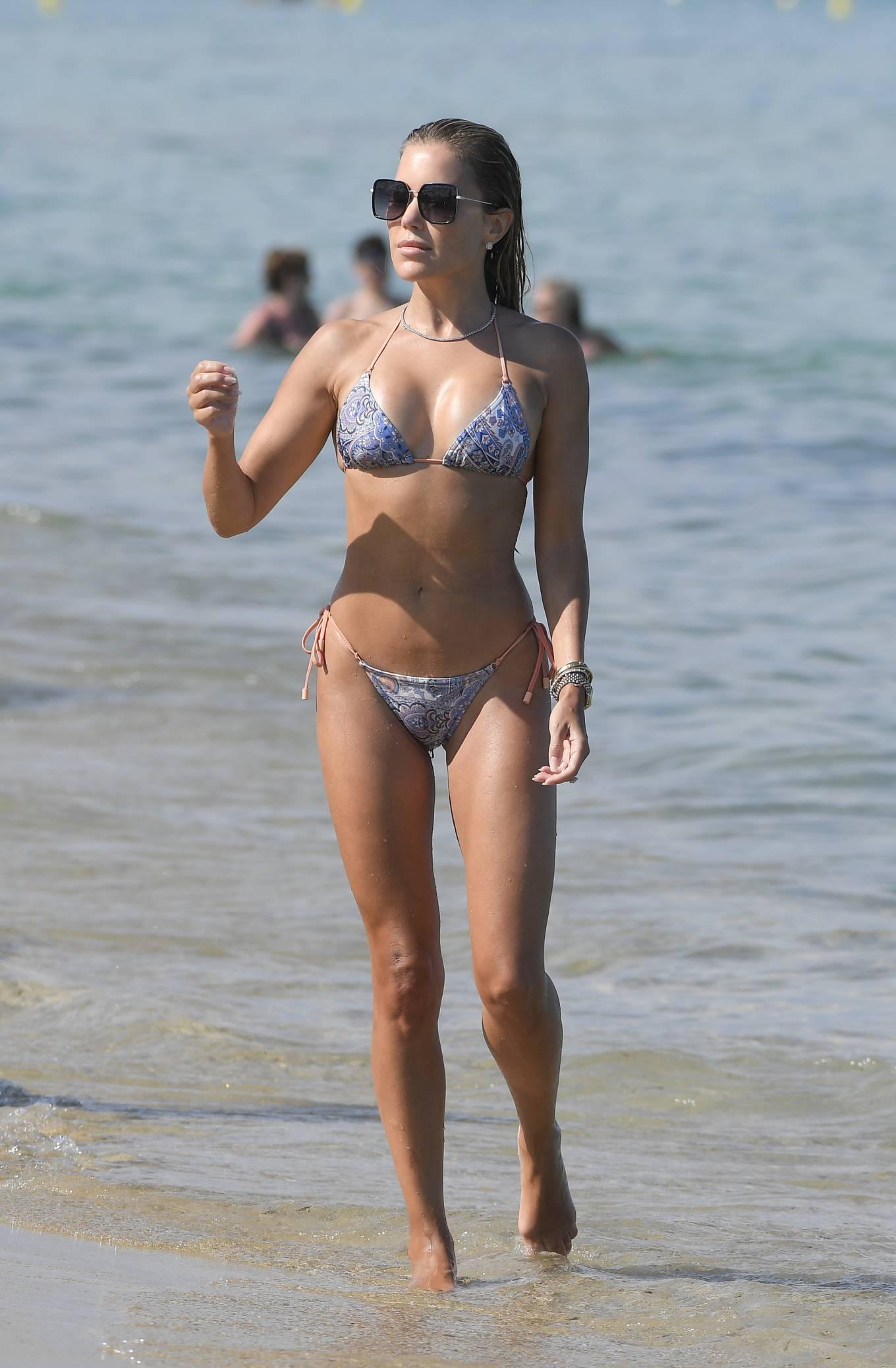 Sylvie Meis 2021 : Sylvie Meis – In a bikini with her husband Niclas Castello on the beach La Réserve in Ramatuelle-11