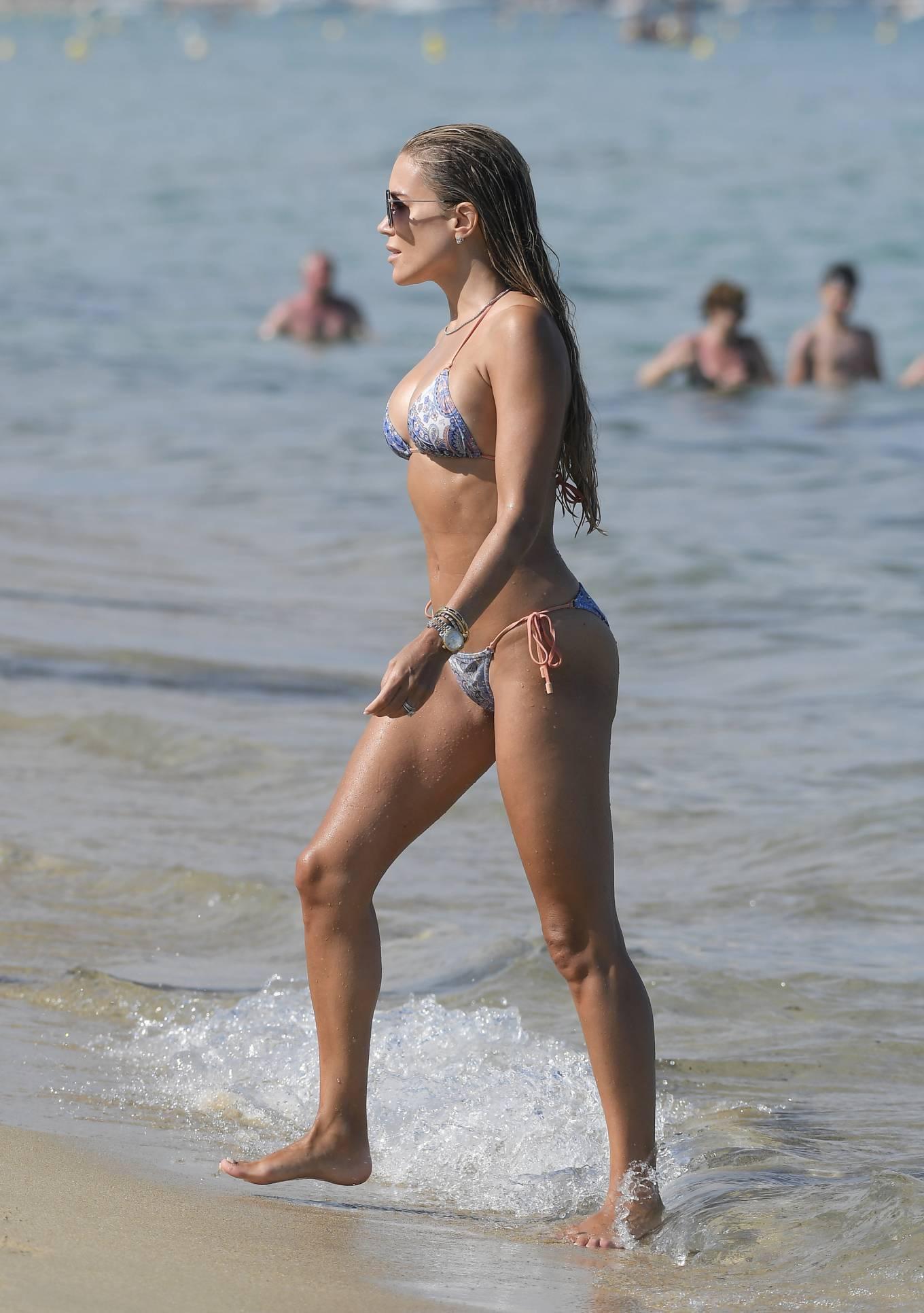 Sylvie Meis 2021 : Sylvie Meis – In a bikini with her husband Niclas Castello on the beach La Réserve in Ramatuelle-12