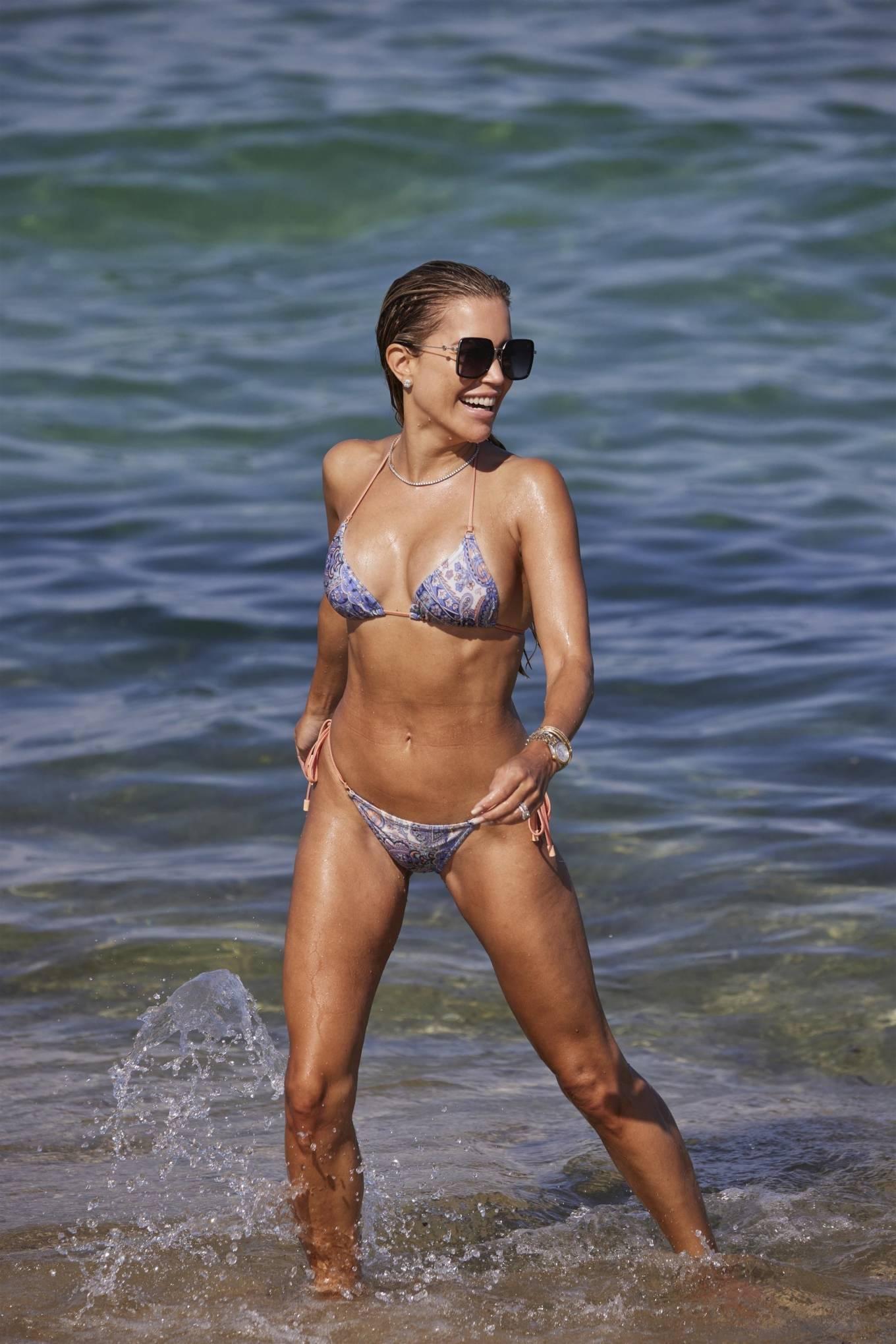 Sylvie Meis 2021 : Sylvie Meis – In a bikini with her husband Niclas Castello on the beach La Réserve in Ramatuelle-14