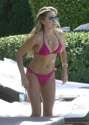 Sylvie Meis in Bikini at the pool in Miami
